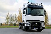 White Renault Trucks T480 Tractor