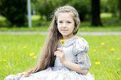 foto of polite girl  - Portrait of a girl in the park - JPG