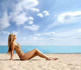picture of monokini  - Sexy lady on the beach expanded version - JPG