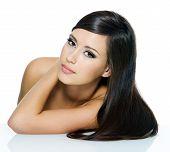 Beautiful young Woman with lange gerade Braunes Haar