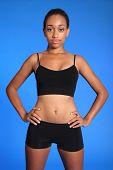 Ajuste de deportes atléticos afroamericano Torso de mujer
