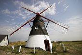 Molino de viento danés