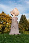 Bird's Nest Statue