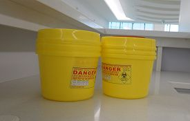 picture of toxic substance  - Container for hazardous waste in hospital - JPG
