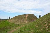 pic of burial  - Burial mound - JPG