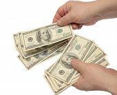 viele der Dollar-Banknoten holding hände. über white