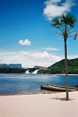 picture of canaima  - Nice beach - JPG