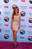 LOS ANGELES - JUL 22:  Bella Thorne arriving at the 2012 Teen Choice Awards at Gibson Ampitheatre on