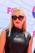 LOS ANGELES - JUL 22:  Gwen Stefani arriving at the 2012 Teen Choice Awards at Gibson Ampitheatre on