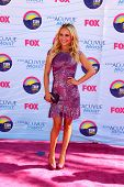 LOS ANGELES - JUL 22:  Hayden Panettiere arriving at the 2012 Teen Choice Awards at Gibson Ampitheatre on July 22, 2012 in Los Angeles, CA