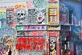 Street art Montreal graffitis by Zilon
