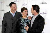 LOS ANGELES - NOV 4:  Brady Smith, Tiffani Thiessen, Luke Perry at the