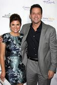 LOS ANGELES - NOV 4:  Tiffani Thiessen, Josh Hopkins at the Hallmark Channel's