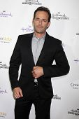 LOS ANGELES - NOV 4:  Luke Perry at the Hallmark Channel's