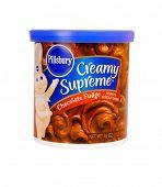 Hayward, Ca - October 28, 2014: 1lb container of Pillsbury brand Creamy Supreme Chocolate fudge
