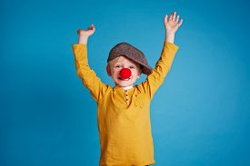picture of clowns  - Portrait of a boy with clown nose - JPG