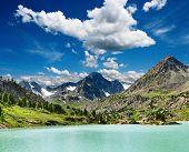 Darashkol do Lago de montanha
