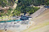 Hydro-elektrische dam Lake Benmore, Zuidereiland, Nieuw-Zeeland