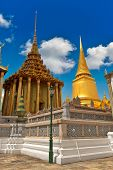 Bangkok Grand Palace: Magnificent Golden Stupa and temples in Wat Phra Kaeo