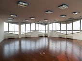 espaço de escritório vazio