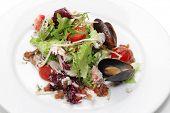 Krabbe, Fleisch, Musses und Cherry-Tomaten-Sauce.