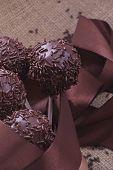chocolate sprincled cakepops