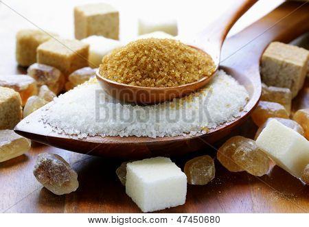 Постер, плакат: Различные виды сахара коричневый белый и рафинированного сахара, холст на подрамнике