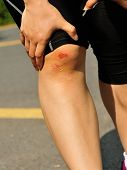 sports injured knee