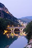Berat: the bridge that links neighborhoods Gorica (side christian) and Mangalem (side musulman) at t