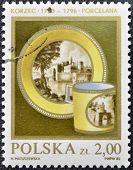 POLAND - CIRCA 1982: A stamp printed in Poland shows antique Faience circa 1982