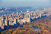 New Yorker Wolkenkratzer in Midtown Manhattan Luftbild Panorama-Ansicht in den Tag mit Central Park und
