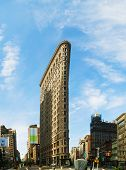 Flatiron (fuller) Builsing In Nyc In The Morning