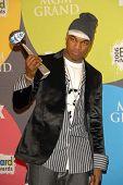 LAS VEGAS - DECEMBER 04: Ne-Yo in the press room at the 2006 Billboard Music Awards, MGM Grand Hotel December 04, 2006 in Las Vegas, NV