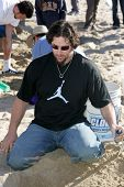 SANTA MONICA, CA - DECEMBER 02: Eric Gagne at Kohl's Holiday Sandman Building Competition on Decembe