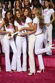 Selita Ebanks, Karolina Kurkova, Izabel Goulart, Alessandra Ambrosio, Adriana Lima, Gisele Bundchen receiving the Key to the City of Hollywood. Grauman's Chinese Theatre, Hollywood, November 15, 2006.