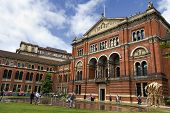 pic of kensington  - LONDON  - JPG