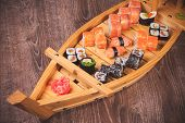 Sushi Roll And Nigiri Boat Set