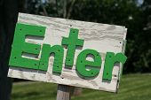 Rustic Enter Sign Green