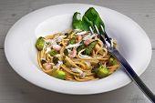 picture of whole-grain  - Whole grain pasta with green asparagus shrimp wild garlic  - JPG