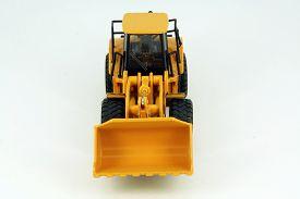 pic of dredge  - Yellow plastic dredge toy - JPG