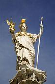Fuente de Atenea - Viena - Parlamento