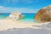 ������, ������: Big Rocks In Cala Mariolu
