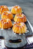 Mini Bundt Cakes With Glaze