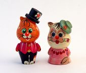Funny cats, funny cats figurines made of wood painted.