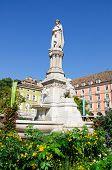 Постер, плакат: Статуя Вальтер фон дер Фогельвейде БольцаноБоцен Южный Тироль Италия