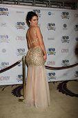 LOS ANGELES - 26 de FEB: Estrella Nouri llega a la