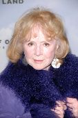 LOS ANGELES - DEC 6:  Piper Laurie arrives at the 'Promised Land' Premiere at Directors Guild of Ame