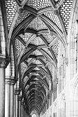 architectural details - archway in black and white