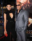 LOS ANGELES - AUG 28:  Vin Diesel & Paloma Jimenez arrives to
