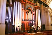 pic of organist  - Large Church or Hall Pipe Organ and Organist